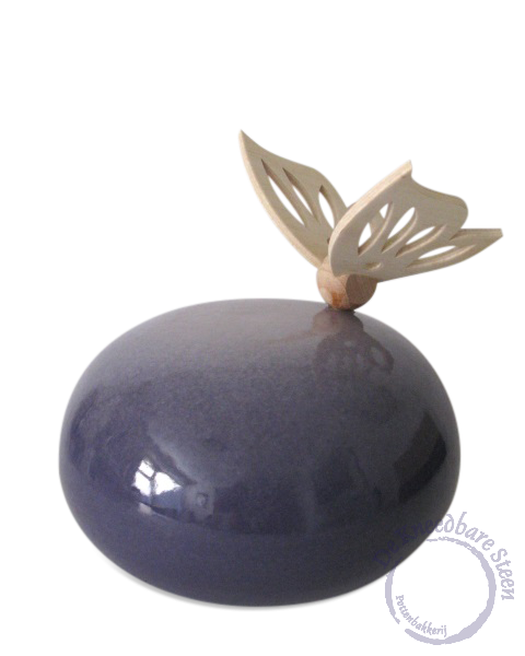 Kinder urn met houten vlinder* (paars)