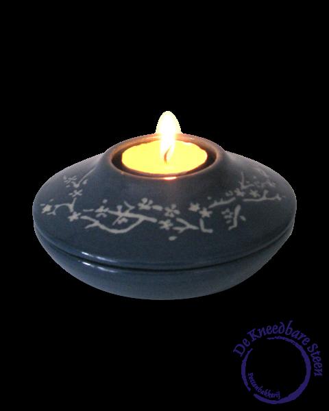 Mini urn met lichtje en tak decoratie