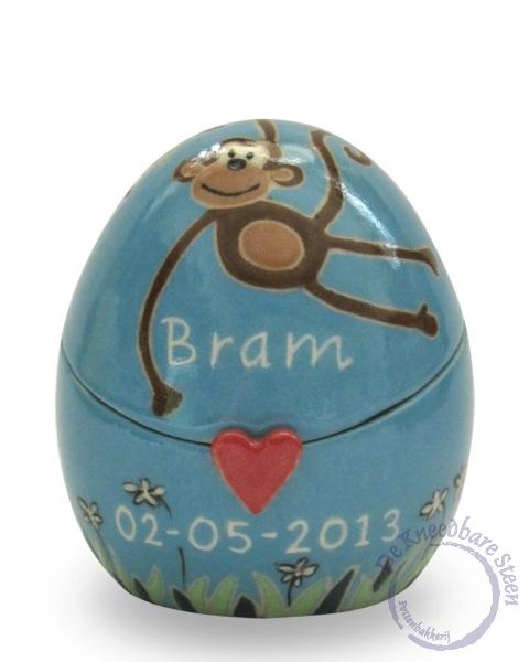 Babyurn voor Bram