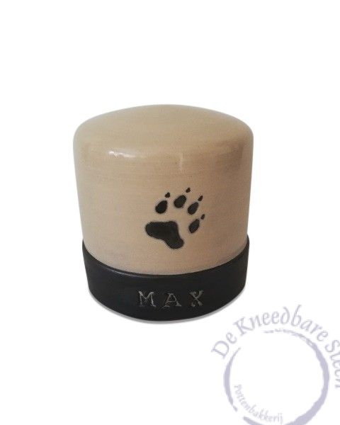 Honden urn met pootafdrukje