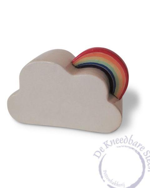 Prematuur urn wolkje met regenboog P